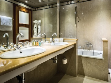 HDC-camera-business-bagno01